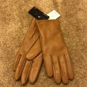 Accessories - Brown leather gloves